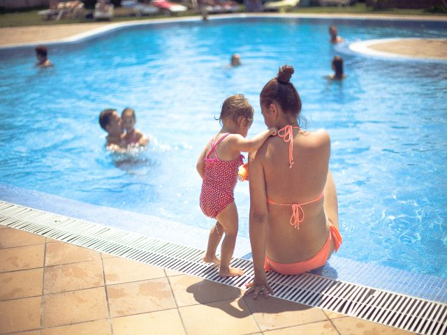 camping con piscinas Sant Pere Pescadior. Piscinas del Camping Riu